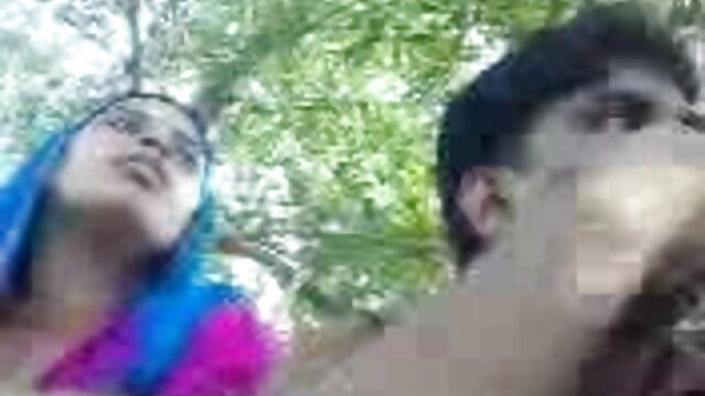 جنسی سكس ايراني در ماشين شوہر اور بیوی, قالین!