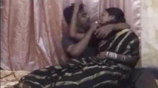 ظاہر اپنے کلیپ سکس ایرانی باحال آپ کو کٹی