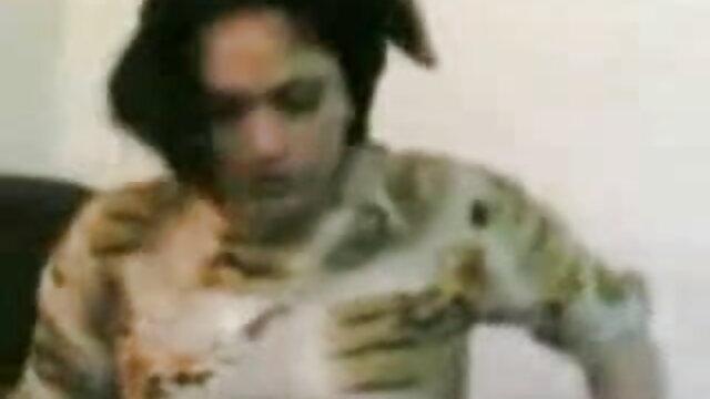لڑکی کے منہ پر لگائے رکن فیلم سکسی فقط ایرانی