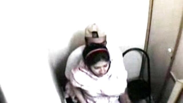 نشے میں لڑکی کو سکس زیبای ایرانی ایک موٹل میں
